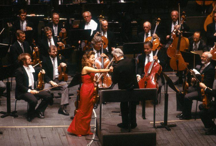 Her last concert with Herbert von Karajan, in Salzburg's Großes Festspielhaus, 15 August 1988, playing Tchaikovsky Violin Concerto – also their last recording together.