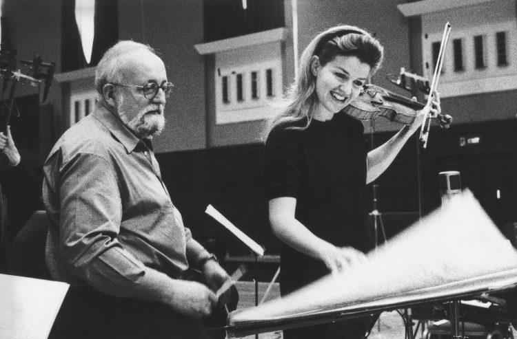 """Aufnahmen von Penderecki Violinkonzert Nr. 2 """"Metamorphosen"""" mit dem Komponisten, London im Januar 1997"""